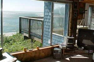 Living room with view of the ocean, balcony
