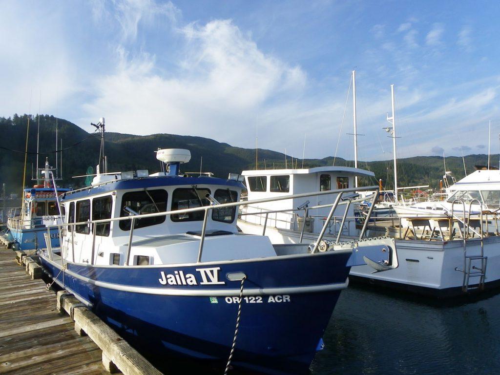 Boats Garibaldi harbor